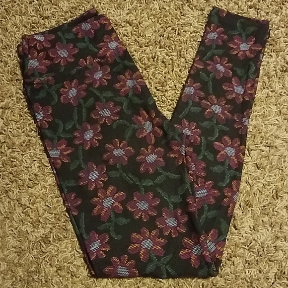 Lularoe OS Floral With Hearts Coral Red Purples Blues Unique print New One Size